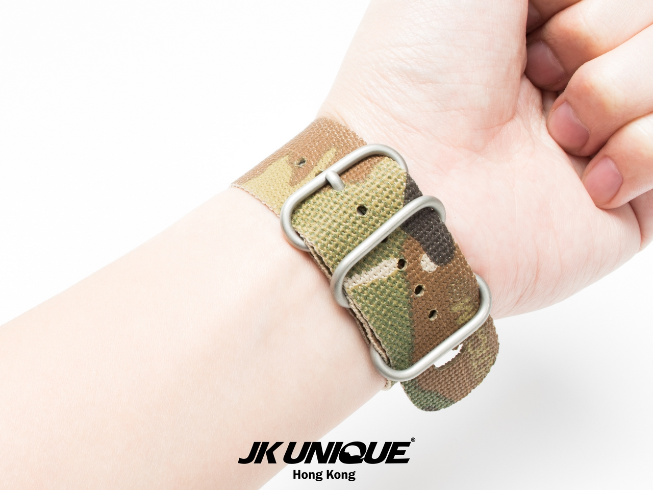 JK-UNIQUE-CAMO-NATO-Apple-Watch-Strap-42mm-2 (1280).jpg